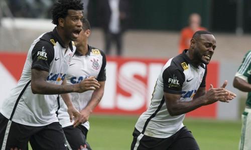 Corinthians líder, catarinas mal