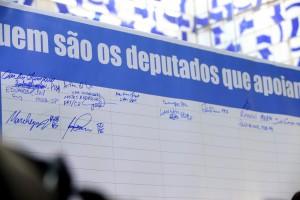 Deputados fazem manifestação pró-impeachment da presidente Dilma no Salão Verde  Data: 04/11/2015 - Foto: Thyago Marcel/ Camara dos Deputados