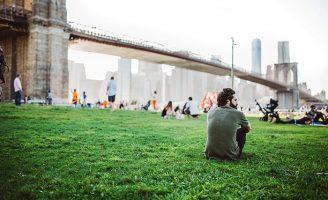 A Fortaleza da Solidão é sobre jovens e o Brooklyn