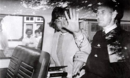 Redlands: 50 anos da prisão de Jagger e Richards