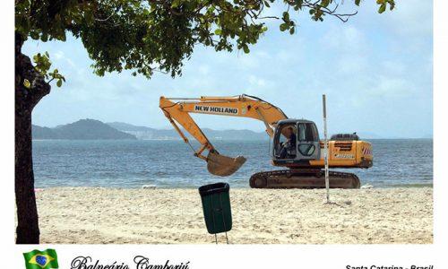 """<h2><a href=""""http://www.publixer.com.br/2018/11/28/o-que-fazem-de-ti-praia-de-camboriu/"""">O que fazem de ti, praia de Camboriú<a href='http://www.publixer.com.br/2018/11/28/o-que-fazem-de-ti-praia-de-camboriu/#comments' class='comments-small'>(0)</a></a></h2>    Foto/cartão postal, crítica imagética de autoria do fotógrafo Xady Schroeder  Estimada praia. Nos conhecemos há 57 anos. Quase nasci aqui, em fevereiro. Eras ainda a praia de Camboriú. Passamos temporadas e"""