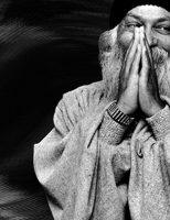 A sociedade de Bhagwan em seis capítulos